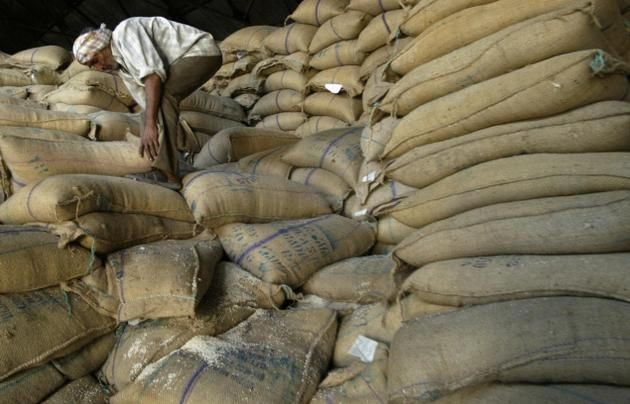 Govt seizes 1.6 lakh tonnes pulses from hoarders in the open market to boost supply