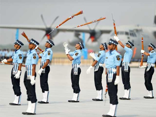 Air Marshal Virender Khanna decorated as new Maintenance Head of the Indian Air Force