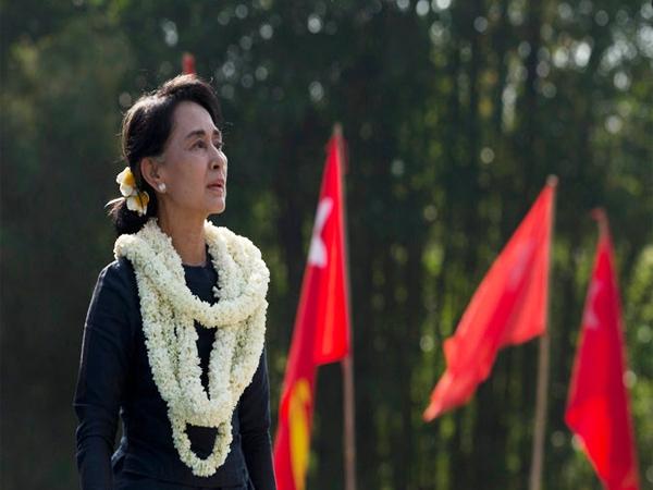 म्यांमार आम चुनावों में आंग सान सू की ऐतिहासिक जीत