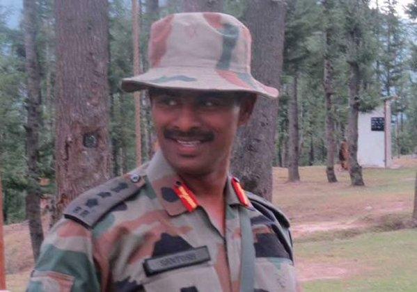 कश्मीर के कुपवाड़ा जिले में आतंकवादियों से मुठभेड़ में कर्नल संतोष कुमार शहीद