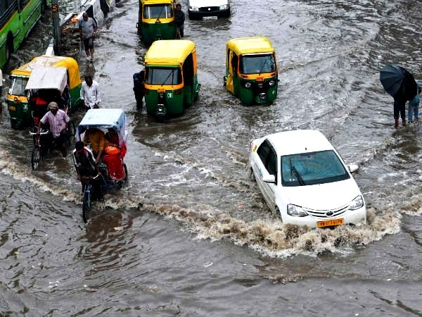 'Water Harvesting' along roads to be solution of water-logging in Delhi