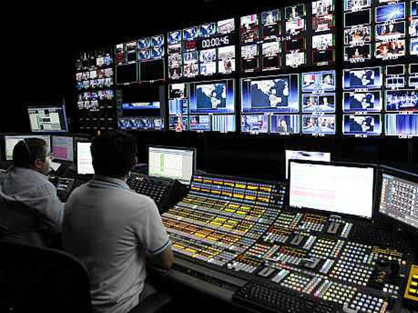 Toll free helpline set up for Cable TV Digitization; queries to be answered in eight Indian languages