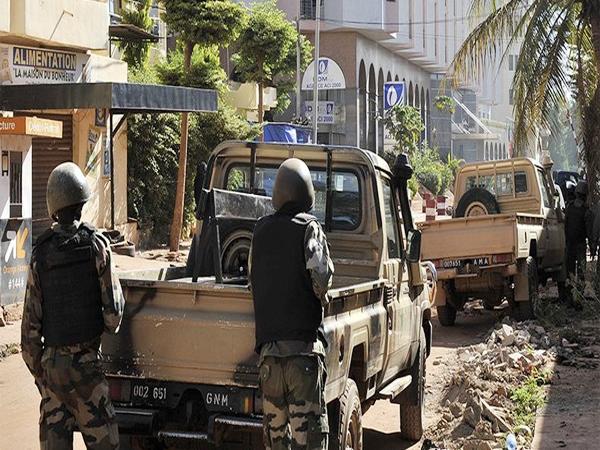 माली में हमला; 20 भारतीय सहित 170 को बंधक बनाया, 3 मरे