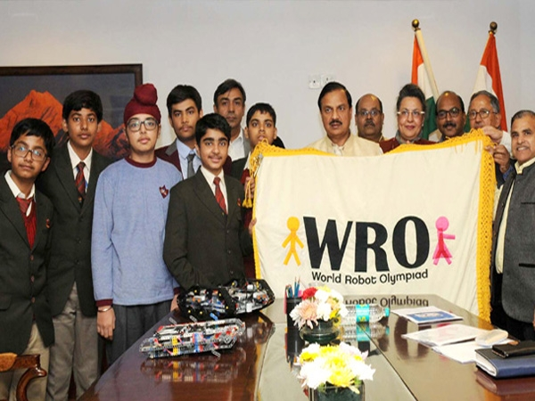 India to host the '13th World Robot Olympiad' for the first time in Delhi during November 2016
