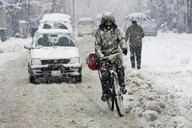 North India reels under severe cold wave; Leh records season's lowest at -16.2 degrees Celsius