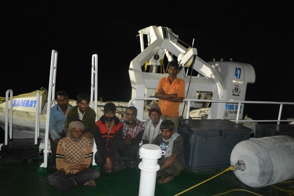 Indian coast guard rescues  8 crew members of MSV Sarojini