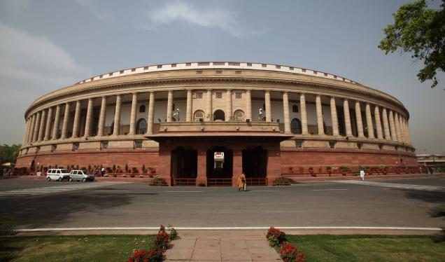 नोटबंदी पर चर्चा के लिए अड़ा विपक्ष; संसद के दोनों सदन मंगलवार तक स्थगित