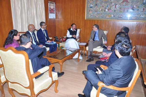Venkaiah and Bill Gates discuss implementation of Swachh Bharat Mission in urban areas