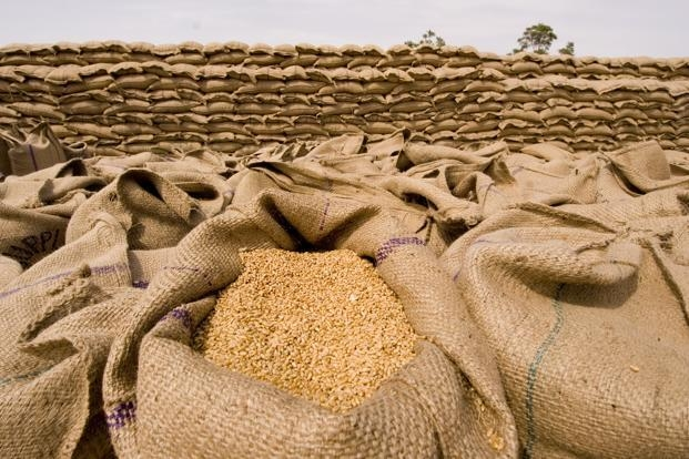 Foodgrains worth Rs.10,000 crore better targeted with computerization of PDS: Paswan