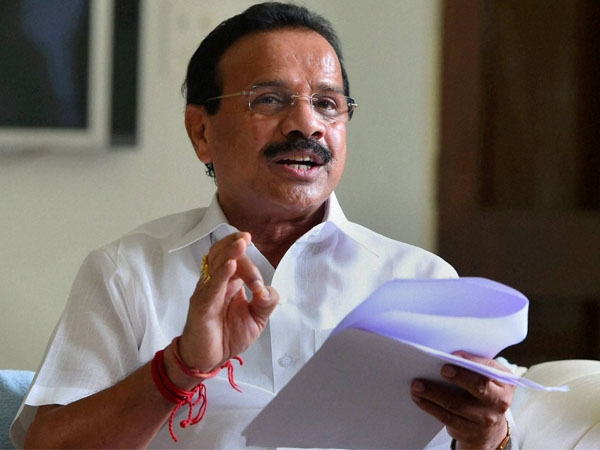 Gowda urges other ministries to use web-based app for effective monitoring on court matters