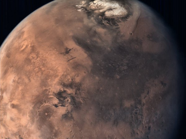 Mangalyaan greets 'New Year' to  all the earthlings; releases a new Mars picture