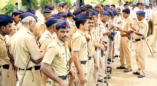 Major reshuffle in Maharashtra police dept, 22 IPS officers promoted