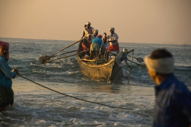 Sri lankan Navy arrests four fishermen from Naina Island for encroachment of Lankan waters