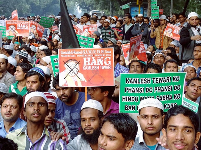 Kaliachak communal clashes threaten minority Hindus in Malda