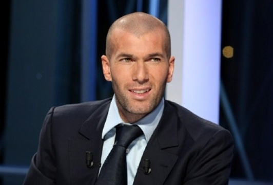 Real Madrid signs Zinedine Zidane as new coach, dismisses Rafa Benitez as coach after just seven months in charge