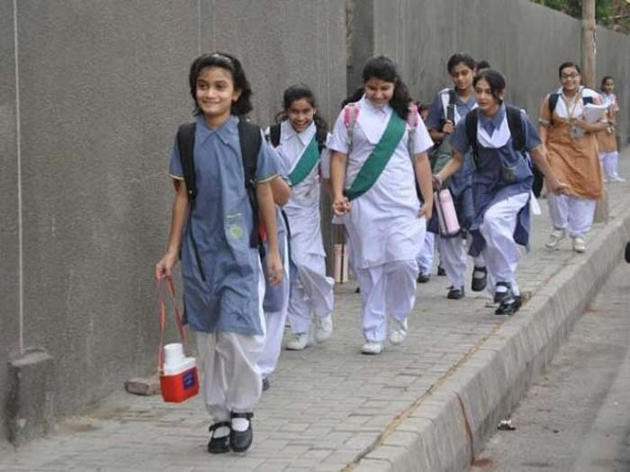 New wave protesters target schools in Kashmir Valley