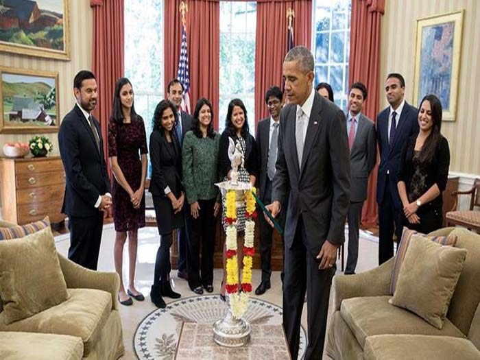 Obama celebrates Diwali in White House as Hillary greets Indian Americans