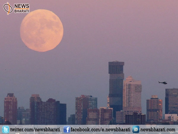 Social media goes GaGa over #supermoon; people upload pictures of the stunning view