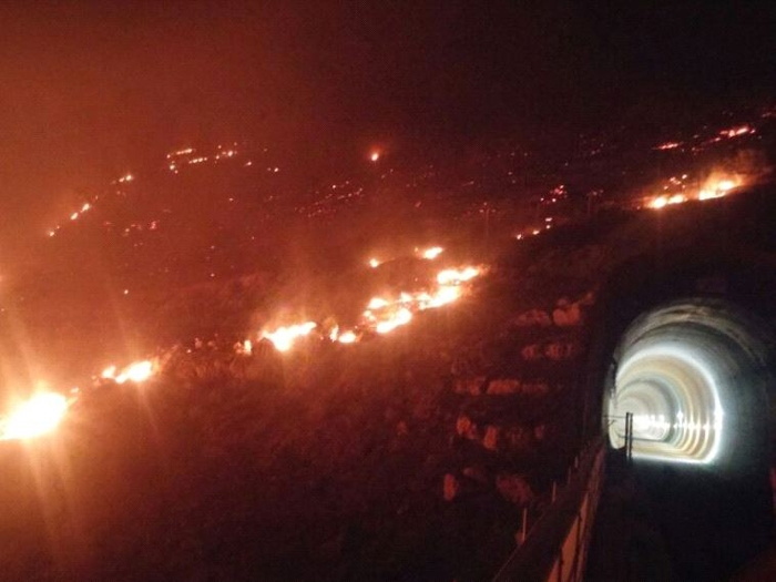 "Arab social media goes viral with ""#Israel_IsBurning""  as thousands evacuated in Israel"
