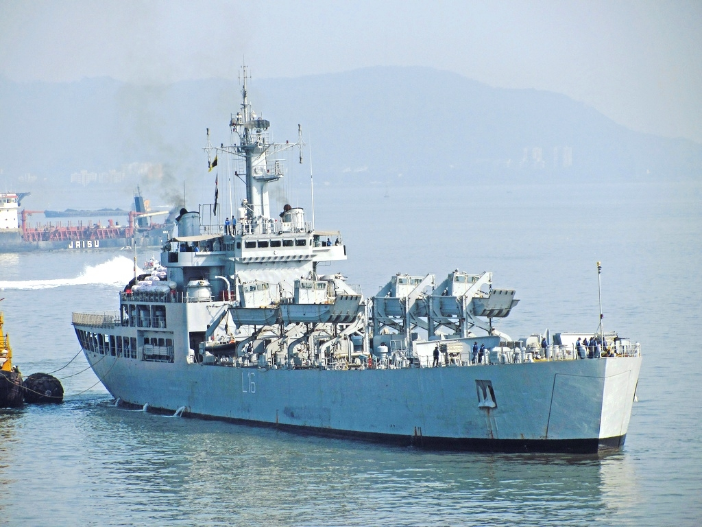 On a mission for peace and naval security, Indian Warship INS Shardul reaches Mauritius