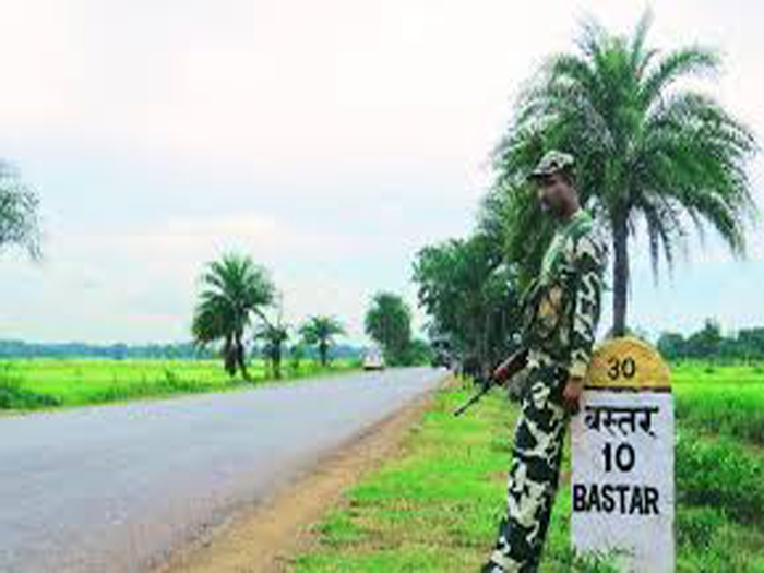 Three Naxalites killed in police encounter in Bastar