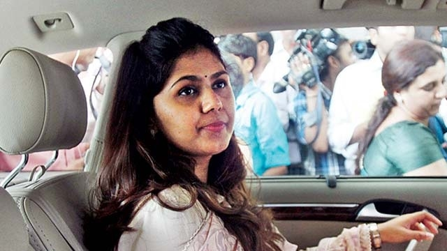 Maharashtra Minister Pankaja Munde gets clean chit from ACB in 'chikki' case
