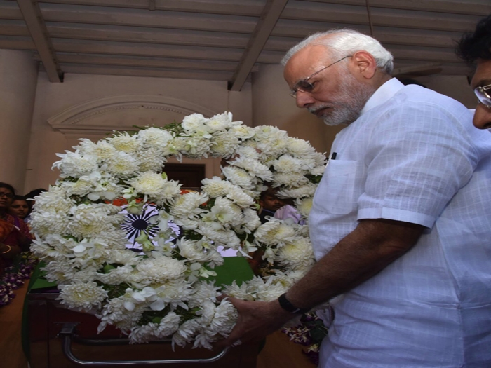 Prime Minister Narendra Modi pays rich tributes to 'Amma'