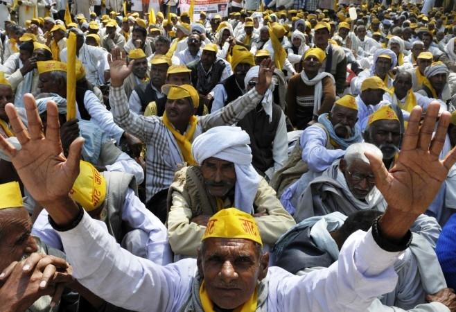 Agitated Jat protestors block Delhi-Ambala rail route near Sonipat; Khattar chairs all-party meeting; appeals for peace
