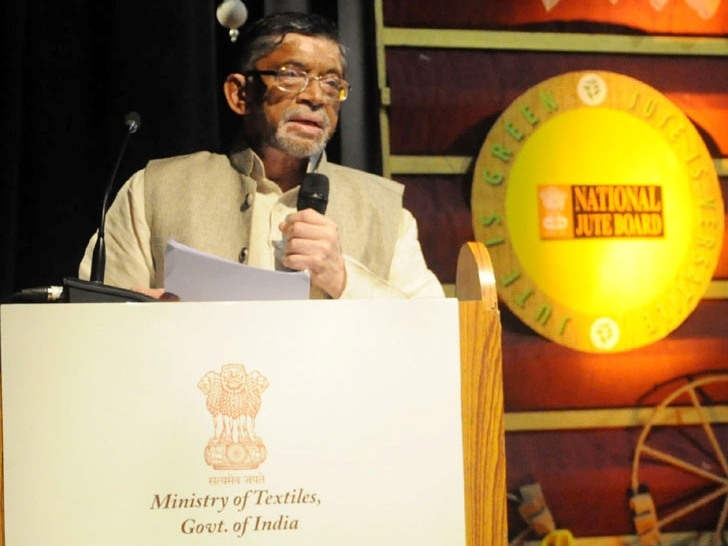 Govt is making all-out efforts to combat pollution through promoting jute products, says Gangwar