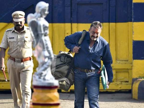 Sanjay Dutt walks out free after 5 years of imprisonment ; says there is no easy walk