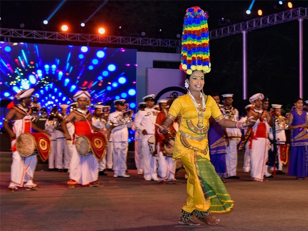 International Fleet Review concludes with a sparkling night and musical extravaganza