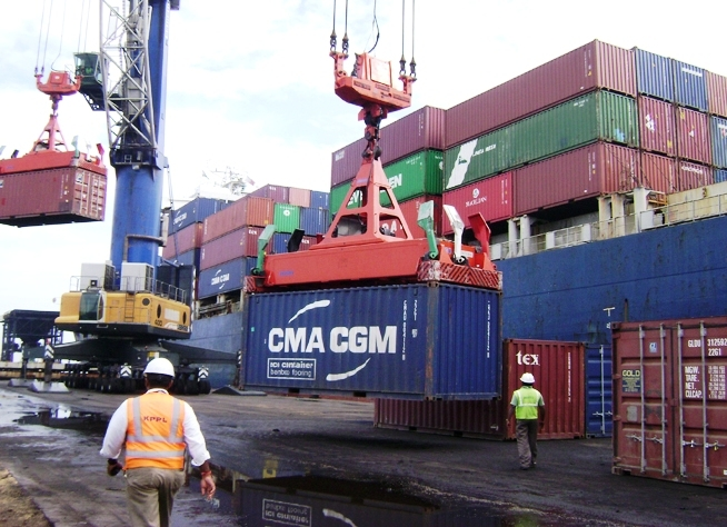 Govt relaxes cabotage restrictions; foreign vessels to transport EXIM and empty containers from any port in India