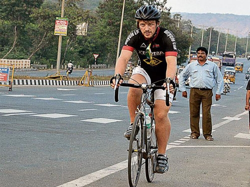 New Zealand cyclist Tim Chittock completes journey of Indian Golden Quadrilateral in 24 days