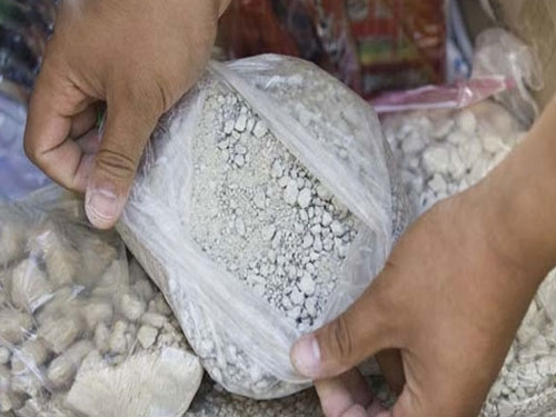 DRI arrests Bollywood producer after seizing illegal drugs worth Rs. 3000 cr from Udaipur factory