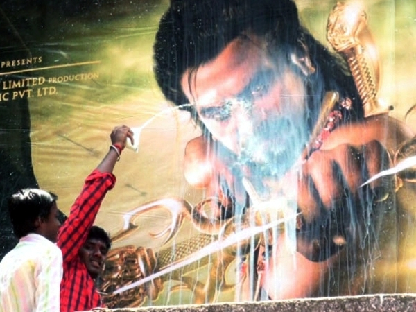 Superstar Rajnikath & fans under scrutiny for wasting thousands litre of milk before film release