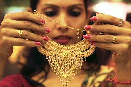 Financial Bill 2016 gets nod in Lok Sabha; Centre rejects to rollout excise duty on gold