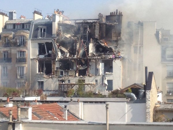How a gas explosion in central Paris panicked residents in fear of previous terror attacks