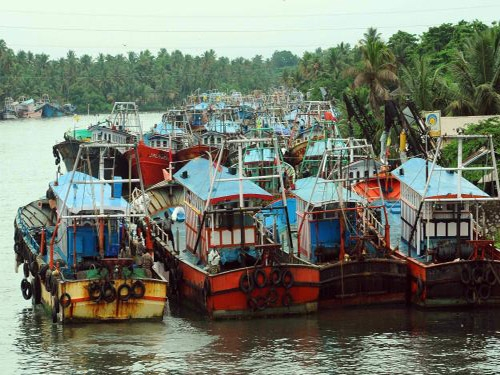 Government to supply 150 shipping boats and equipments to Sri Lanka worth Rs. 4.5 crore