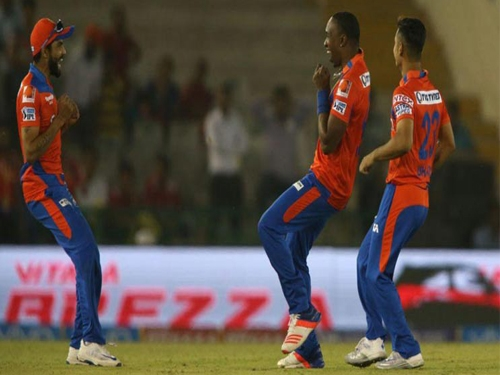 IPL: Bravo' four wickets and Finch quick-fire pushes Gujarat Lions to victory in debut match