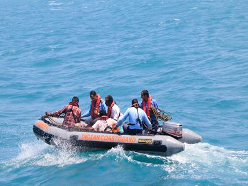 Pakistan Navy arrests 24 Indian fishermen while Sri Lankan Navy assists repatriation of three