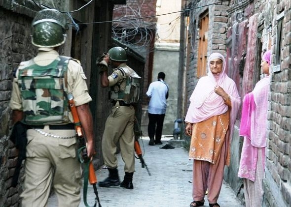 Curfew re-imposed after violent clashes in J&K's Handwara; internet services re-stored after 4 days