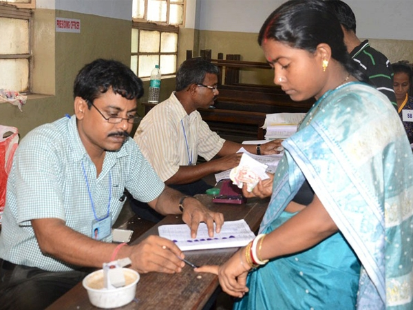 78.05% voter turn-out recorded till 5 PM in fourth phase of West Bengal polls