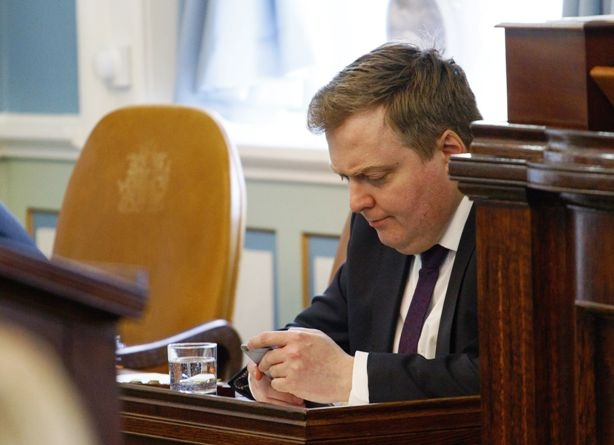Iceland PM Gunnlaugsson becomes first victim with resignation in connection with Panama papers leak