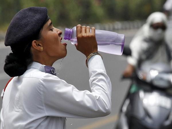देशभर में बढ़ा गर्मी का प्रकोप, जानलेवा मौसम ने ली 130 की जान