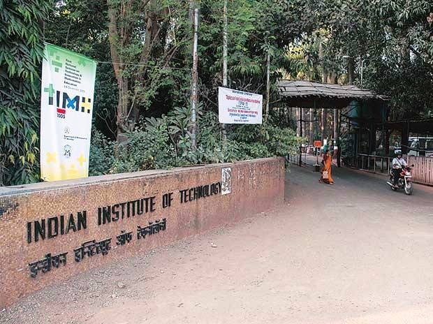 IIT aspirants face fee hike; SC/ST, poor students to get 100% renunciation