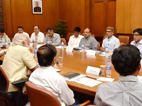 PM Modi and Chouhan discuss strategies to increase awareness about water conservation
