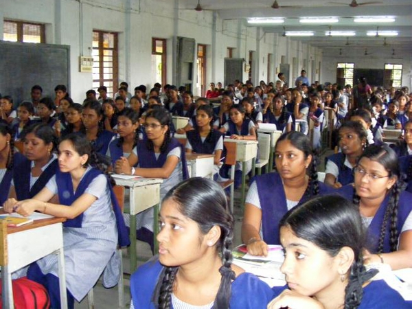 Government constitutes standing committee to popularise science education among women