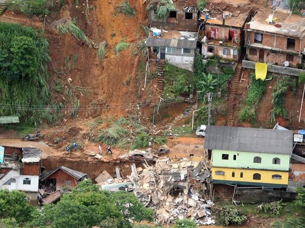 Sri Lanka landslide takes lives of more than 200 families