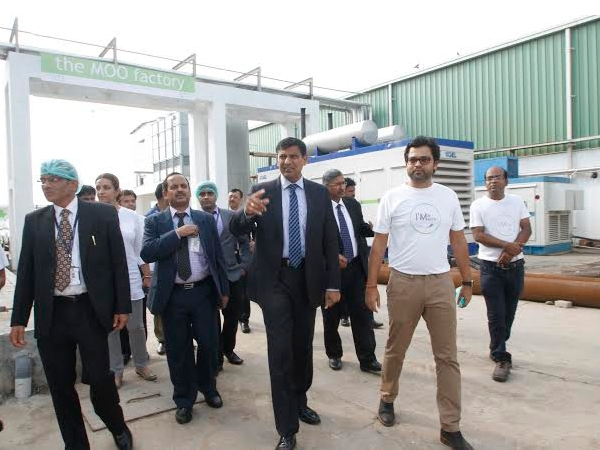 RBI Governor visits Odisha; interacts with leading entrepreneurs of 'Milk Mantra'