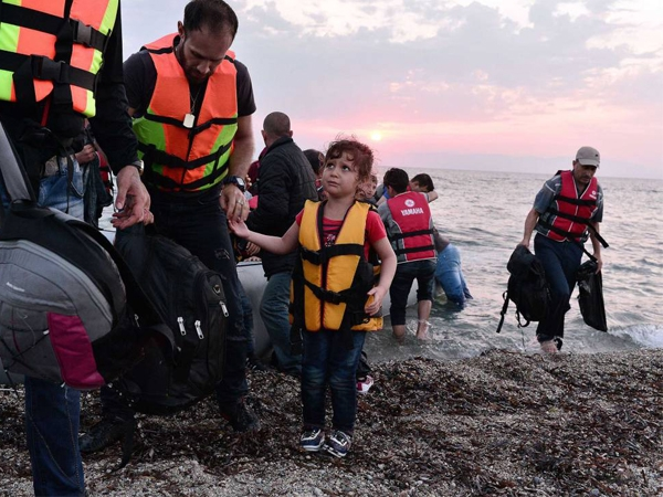 Greece relocates refugees to new facilities bestowed by Govt